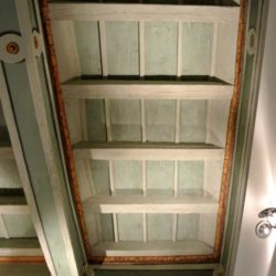 Particolare di soffitto a cassettoni decorato - Casa Negri della Torre.