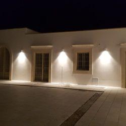 Illuminazione esterna a led - Masseria in Salento con Studio Iaquinta Architetti.