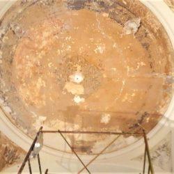 Casa privata via Cardano Pavia - dettaglio del soffitto durante le fasi del restauro.