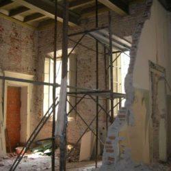Casa Negri della Torre - fasi di restauro di un appartamento.