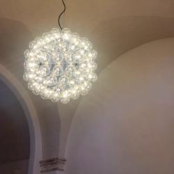 Lampadario Flos - Masseria in Salento con Studio Iaquinta Architetti.