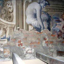 Piano nobile - decorazione parietale seicentesca prima del restauro.
