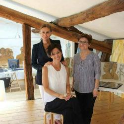 In Studio - Gli architetti Luisa Vanzini e Annalisa Ferraris con l'artista Gloria Brocchetta.